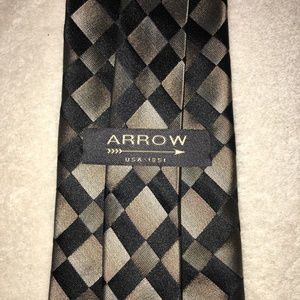 Arrow Men's Silk Tie Necktie Black Beige Diamonds